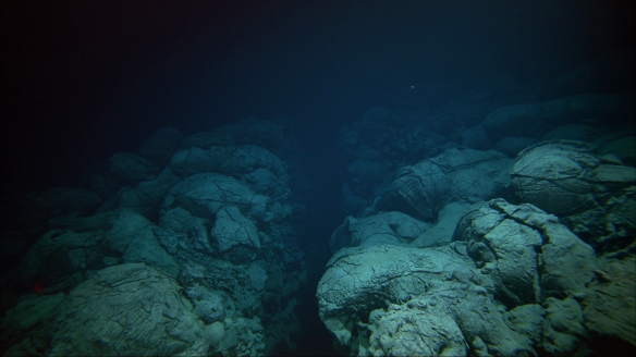 mid-oceanic ridge photo